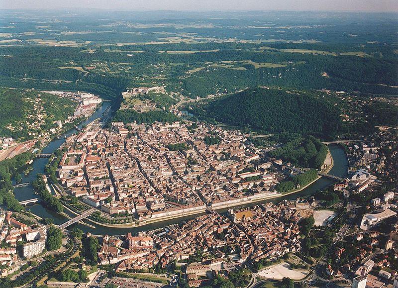 800px-Besancon_boucle_Doubs