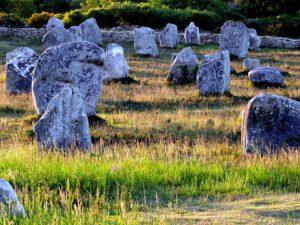 menhirs-314100_960_720